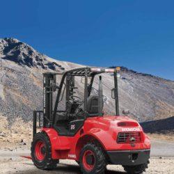 wozek-widlowy-hangcha--2500-3000-3500kg-terenowe-4WD-pp-02