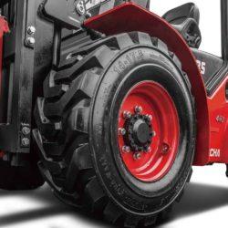 wozek-widlowy-hangcha--2500-3000-3500kg-terenowe-4WD-pp-06
