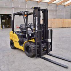 wozki-widlowe-hyundai-diesel--2500-3000-3300-3500kg-006