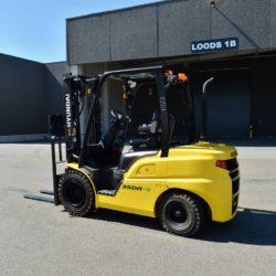 wozki-widlowe-hyundai-diesel--2500-3000-3300-3500kg-018