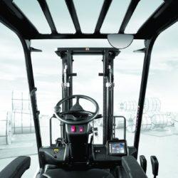 wozki-widlowe-hyundai-diesel--2500-3000-3300-3500kg-020