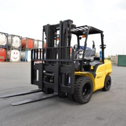 wozki-widlowe-hyundai-diesel--3500-4000-4500-5000-5500kg-006