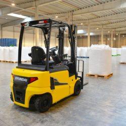 wozki-widlowe-hyundai-elektryczne--1600-1800-2000kg-48V-005