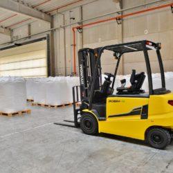 wozki-widlowe-hyundai-elektryczne--2200-2500-3000-3500kg-80V-008
