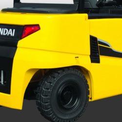 wozki-widlowe-hyundai-elektryczne--4000-4500-5000kg-80V-010