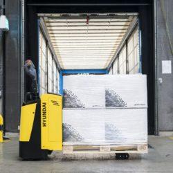 wozki-widlowe-hyundai-technika-magazynowa--2000-2500kg-unoszace-z-podestem-003
