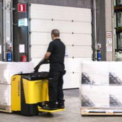 wozki-widlowe-hyundai-technika-magazynowa--2000-2500kg-unoszace-z-podestem-009
